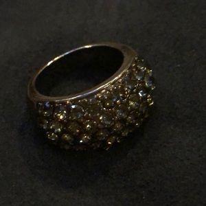 Beautiful sparkly dark grey ring